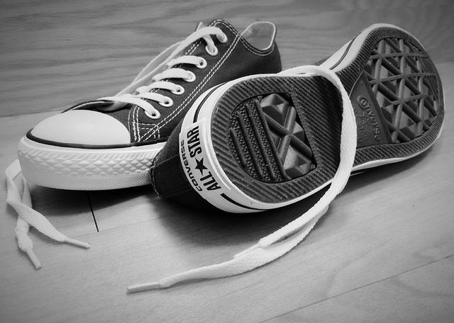 靴紐 ほどける