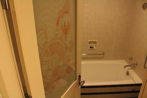 ドナルドダックルーム-浴室2