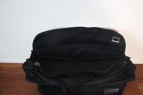 nm81601_背中側ポケット