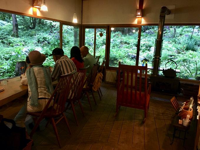 小鳥のcafe Quinceの店内