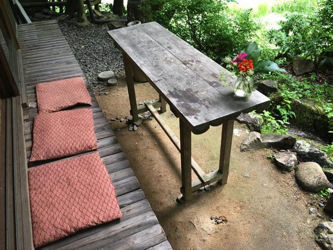 小鳥のcafe Quinceの縁側席